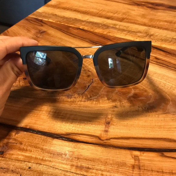"061bea07b84 Smith ""Highwire"" sunglasses. M 5bbe4bc27386bcd778003256"